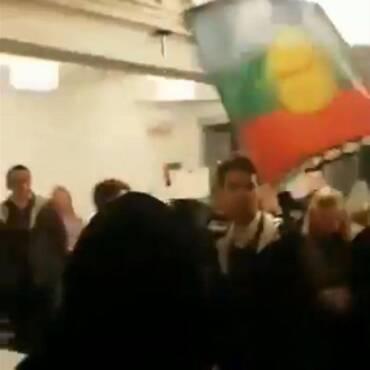 06.11.2019: Vermummte «Linksautonome» attackieren Redner